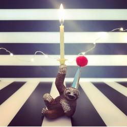 Dovendyr eller Sloth lysholder og caketopper til fødselsdagskage