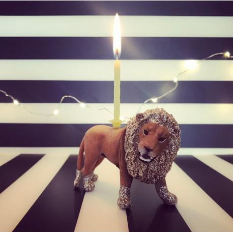 Løve lysholder og caketopper til fødselsdagskage