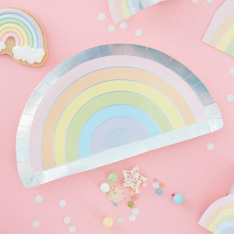 Pastelregnbue tallerkner med sølv perlemorskant