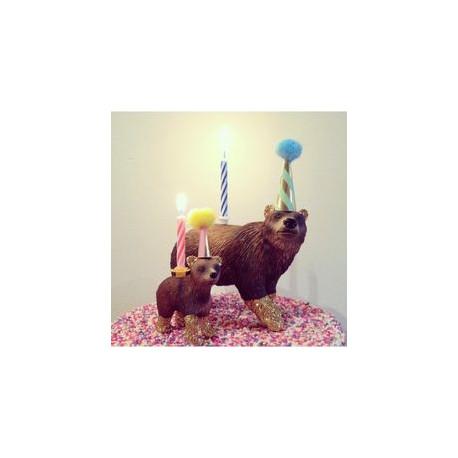 Bjørnunge lysholder som caketopper til fødselsdagskage