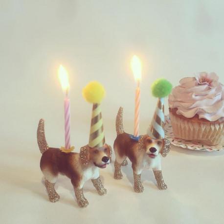Beagle lysholder som caketopper til fødselsdagskage