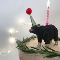 Sort Bjørnelysholder som caketopper til fødselsdagskage