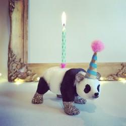 Panda lysholder som caketopper til fødselsdagskage