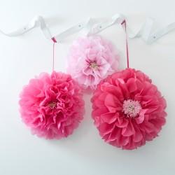 Lyserøde blomster pompom fra engelske Talking Tables
